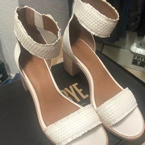 Frye Bianca Woven Back Zip sandal